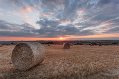 Stow Hay Bales 03 (Photograferry) Tags: sunset field clouds landscape evening farming warmth cotswolds gloucestershire haybales stowonthewold