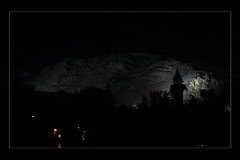 Medina (QueeN CooL) Tags: mountain beautiful night dark lights rocks desert mount saudiarabia   lovethiscity almadinaalmunawwara ohud theradiantcity mountuhud thecityofnoor