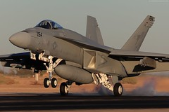 IMG_1444-1600 (wmmmk) Tags: light sunset sun canon us lowlight desert aviation navy handheld hornet boeing f18 usnavy usn superhornet fa18ef 100400l wmk nafec