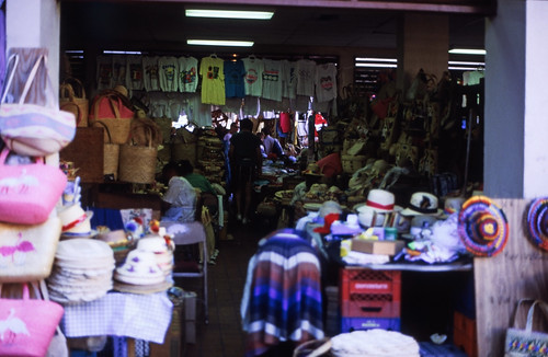 """Bahamas 1988 (171) New Providence: Straw Market, Nassau • <a style=""""font-size:0.8em;"""" href=""""http://www.flickr.com/photos/69570948@N04/23240619853/"""" target=""""_blank"""">View on Flickr</a>"""
