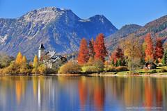 K1X_9924 Lake Grundlsee (愚夫.chan) Tags: autumn lake reflection church austria maple scenery 教堂 楓葉 奧地利 湖泊 2015 倒影 秋景 lakegrundlsee 格倫德爾塞湖