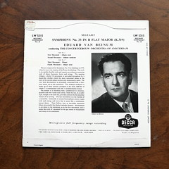 Backside Mozart - Symphony No.33 - ConcertGebouw Orch., Eduard van Beinum, Decca LW, 10 inch, (Piano Piano!) Tags: lprecordalbumcoverartsleeve12inch vynilvinyl mozartsymphonyno33concertgebouworch eduardvanbeinum deccalw 10inch