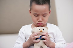boy and his little bear (jimmy_a168) Tags: home boys books familys dinner school works read bed taiwan tainan 台灣 台南 兒童 家庭 室內