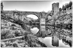 Puente de San Martín (miguelangelortega) Tags: puente bridge toledo río tajo ciudad muralla ciudadamurallada cascohistórico ladera torre torreón tower slope blancoynegro bw hdr agua water