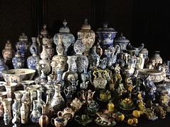 Delfts blauw (Fyodor & Mila) Tags: delftpottery delftblue gemeentemuseumdenhaag delfts blauw keramiek aardewerk porselein ceramic