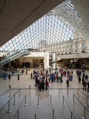 pyramide du Louvre, Paris (Xavier de Jauréguiberry) Tags: france îledefrance paris musée museum louvre architecture pyramidedulouvre architecte architect ieohmingpei