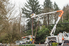 Accident Unsung Heros 13_MG_1755.jpg (orig_lowolf) Tags: accident canoneos5dmarkii carwreck centurylink flickr lakeoswego march2017 oregon pge phone sigma247028ex unsungheros