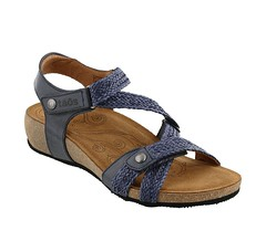 "Taos Trulie sandal navy • <a style=""font-size:0.8em;"" href=""http://www.flickr.com/photos/65413117@N03/33446231655/"" target=""_blank"">View on Flickr</a>"