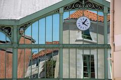 Scènes de rues à Marans (4-4) (deplour) Tags: street france reflections mirror miroir loire marais scenes pays rues reflets vendée marans scènes poitevin