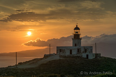 DSC01400_s (AndiP66) Tags: sunset lighthouse juni sonnenuntergang view sony hellas greece alpha aussicht tamron griechenland cyclades mykonos leuchtturm faros ellada 2015 armenistis kykladen sonyalpha andreaspeters 18270mm 77m2 a77ii ilca77m2 77ii 77markii slta77ii