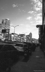 F20150222_CV-Bessaflex(Chrome)+AGFA-Retro400S_N_005-Y48 (Leche con Compasio) Tags: blackandwhite bw film monochrome rollei analog iso400 snapshot n taiwan streetphotography nb negative chrome m42 ddr sw  agfa  cosinavoigtlander    2015 czj  filteryellow blackwhitephotos carlzeissjenna pancolar50mmf18 shijih voigtlanderbessaflex  y482  newtaipeicity agfaretro400s bwfp documentingviewsbyaroad  pancolarelectric1850mc