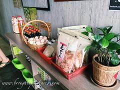 Photo 30-09-2015 11 48 40 am (Chris & Christine (broughtup2share.com)) Tags: fish japanese frozen hokkaido rice market top sashimi salmon fresh seafood catch kualalumpur scallop kl taman sauces oug