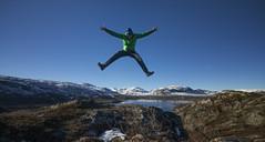 Happy hiker - D8D_3990-2 (Viggo Johansen) Tags: blue autumn sky green landscape jumping bluesky hiker telemark haukeli kjelavatn happyhiker