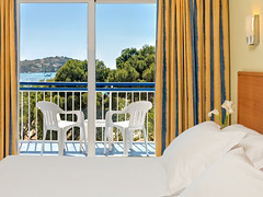 Double Room (h10hotels) Tags: hotel spain andalucia mallorca malaga hospitality marbella santaponca baleares h10 santaponça h10hotels rogermendez h10andaluciaplaza h10playasdemallorca