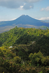 Mount Batok (Samuel Mandang) Tags: sunset sea bali indonesia scenery buddhism bluesky mount clearsky tanahlot batok gwk kintamani traditionaldance