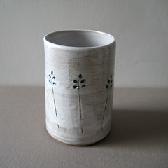 Stoneware Vase (Jude Allman) Tags: flowers white ceramic lemon ceramics crafts craft pot pots jude clay vase pottery vases folksy allman