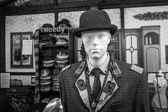 Terry O'Tweed (The Image Den) Tags: traditional christmasmarket bowlerhat southampton dummy manequin tweed englishness xt1