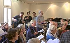 Madrigal de Nîmes en répétitions -  IMG_5723 (6franc6) Tags: 30 languedoc gard madrigal tf1 choeur 2015 carnetderoute église nîmes décembre 6franc6 madrigaldenîmes