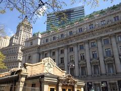 Broadway - Bowling Green (jericl cat) Tags: city newyork green manhattan broadway bowling april 2015