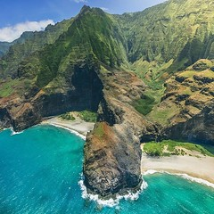 Aerial Drone Photos (spaceCityDrone) Tags: best kept secret kauai these 2 hidden beaches accessible only by boat or air secretbeaches photo henrydo henrydophoto henrydoaerial glimpseofhawaii hawaiiunchained hawaiistagram venturehawaii nakedhawaii unleashedmoment unrealhawaii napali napalicoast fromwhereidrone dji djiglobal iamdji skypixel hiddenbeach heatercentral way2ill watchthisinstagood aerialphotography