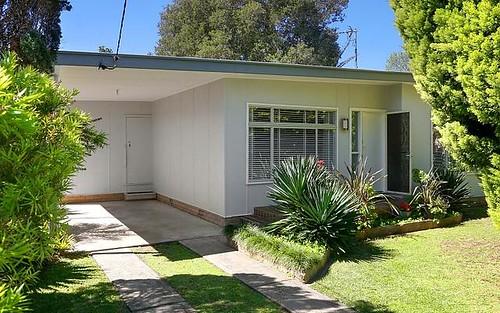 4 Moss Avenue, Toukley NSW 2263