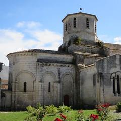 Eglise Saint-Martin (XIIe-XVe-XIXe), Nieul-lès-Saintes (17) (Yvette G.) Tags: chevet artroman charentemaritime 17 poitoucharentes architecture nieullèssaintes église