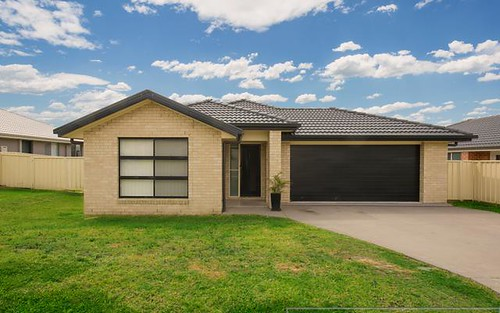 32 Vikki Avenue, Rutherford NSW 2320