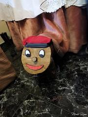 Caga tió (Marta Hyun) Tags: cagatio caga tió tio nadal bon bonnadal christmas tradition catalonia tipical barretina navidad feliz merychristmas mery xmas
