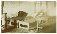 In de kazerne | Life in the barracks (Liberaal Archief) Tags: liberaalarchiefvzw photocollectionjeanpecher jean pecher wwi worldwari wereldoorlog greatwar vintage archives soldiers barracks