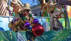 The Big Ones (BKHagar *Kim*) Tags: bkhagar mardigras carnival float riders throws beads big bigbeads thoth krewe outdoor street napoleon