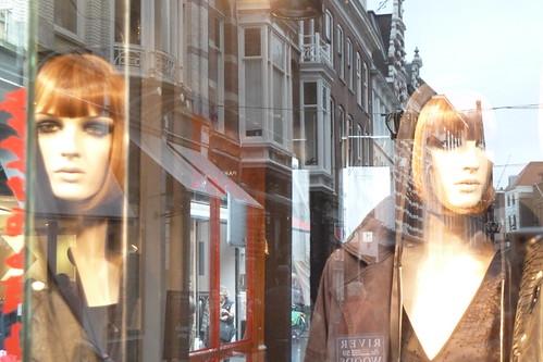 Beauty in a shop[window]
