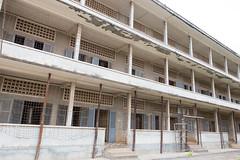 Tuol Sleng (Rambo2100) Tags: cambodia khmer torture phnompenh s21 tuolsleng buildingb duch kampuchea genocidemuseum securityoffice21 elizabethbecker rambo2100 kongkecheav hengnath whenthewarwasover