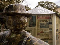 E-M5MarkII_24. September 2015-17-41-59 (spline_splinson) Tags: schweiz switzerland badragaz ch sculptur paperman sanktgallen laliberté ragartz badragartz zeitungsmann