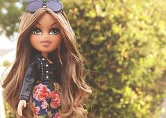 ~Run Away With Me~ (sailorb1959) Tags: floral sarah dolls snaps bangs diva bratz selfie 2015 palins selfiesnaps