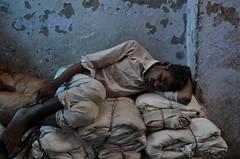 Rest (Marc Röhlig) Tags: street old city sleeping india walking delhi chowk chandi