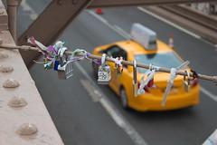 Taxi! (David Scott_85) Tags: canon eos100d holiday newyork brooklynbridge colour bokeh blur taxi lock composition above ariel