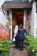 Trick-Or-Treating (Joe Shlabotnik) Tags: halloween trickortreat violet everett sarahp 2015 afsdxvrzoomnikkor18105mmf3556ged october2015