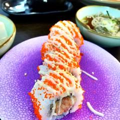Salmon maki at Irodori in POMO (Rachel Toh) Tags: food sushi rice salmon japanesefood irodor