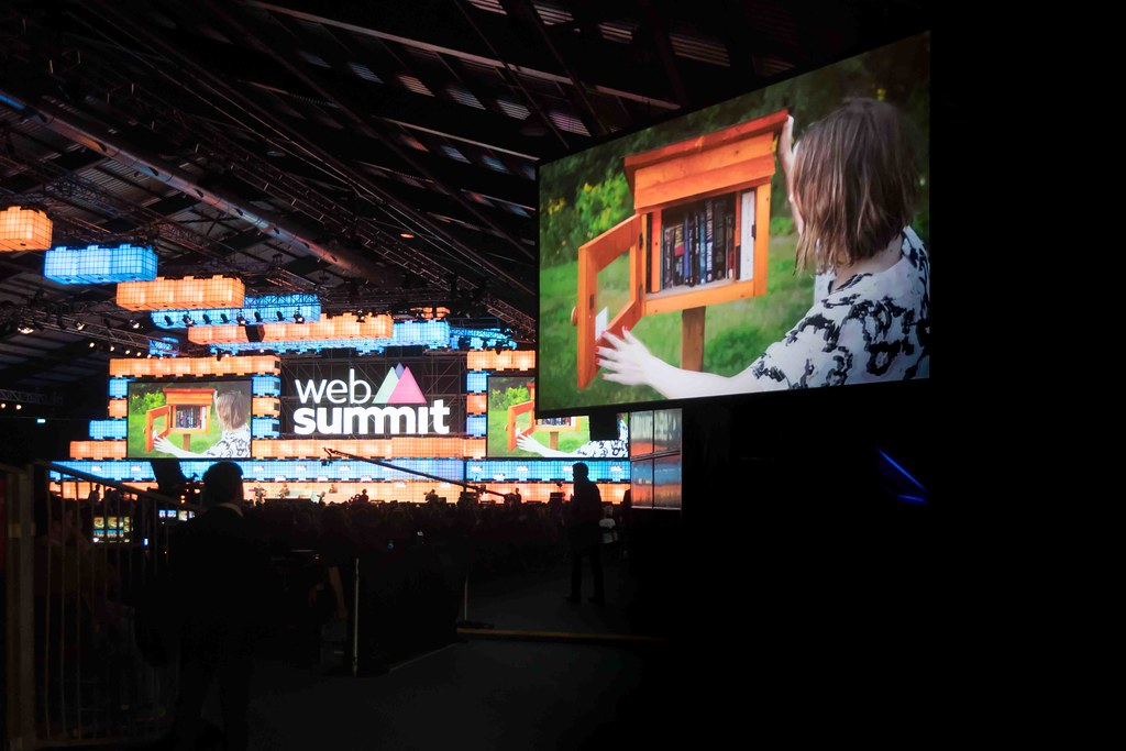 THE WEB SUMMIT DAY TWO [ IMAGES AT RANDOM ]-109870