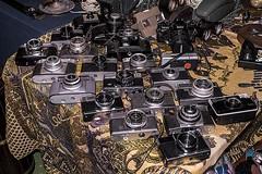 D3071-Cmaras antiguas (II) (Eduardo Arias Rbanos) Tags: camera old lumix photography photo foto compositions feria fair g6 antiguo padrn rastro streetmarket fotografa cmara composiciones antiquits antigedades rastrillo marchauxpuces panasonis eduardoarias eduardoariasrbanos