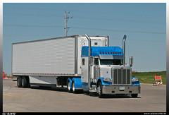 "Peterbilt 389 ""Ivy Transport"" (uslovig) Tags: peterbilt 389 ivy transport 312 box trailer koffer auflieger iowa ia 80 truckstop rastplatz world greatest welt gröster walcott interstate highway"