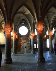 IMG_4794 (carinna-xhz) Tags: architecture colonne ark arche light column