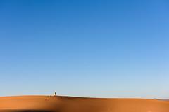 Momentos (Ricardo Martinez Fotografia) Tags: africa sahara landscape nikon moments desert dunes morocco desierto minimalist dunas merzouga minimalista d810 ricardomartinez
