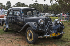 31922 Front (rOOmUSh) Tags: auto old black classic car citroen traction avant