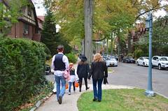 Trick-Or-Treating On Burns Street (Joe Shlabotnik) Tags: halloween lily sue sarahp 2015 bliksem afsdxvrzoomnikkor18105mmf3556ged october2015