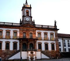 150318 0170 Ouro Preto, Brasil (nicolaskuntscher) Tags: plaza brazil minasgerais southamerica brasil museum architecture atardecer arquitectura ciudad museo fachada ouropreto barroco sudamérica