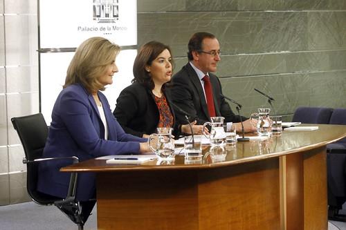 Consejo de Ministros: Sáenz de Santamaría, Báñez y Alonso (23/10/2015)