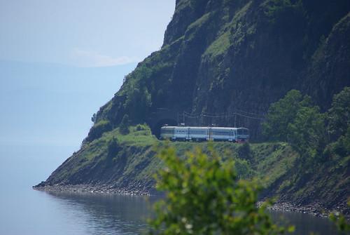 Excursion train of Circum-Baikal railway: ED9MK-0029 EMU under TEM2-6550 ©  trolleway