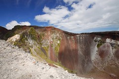 Walking around the crater rim (Magryciak) Tags: 2016 tarawera mountain hill high top crater volcano volcanic red colour canon eos newzealand outdoors outdoor trip tramp hike