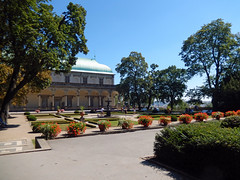 Royal Gardens of Prague Castle, 2016 Aug 27 -- photo 4 (Dunnock_D) Tags: czechia czechrepublic prague blue sky garden gardens singingfountain fountain zpívajícífontána royalgarden královskázahrada malástrana lessertown